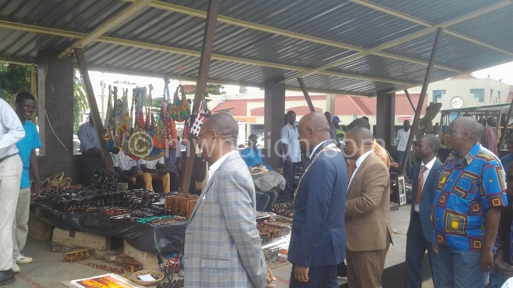 Lilongwe Curio Market | The Nation Online