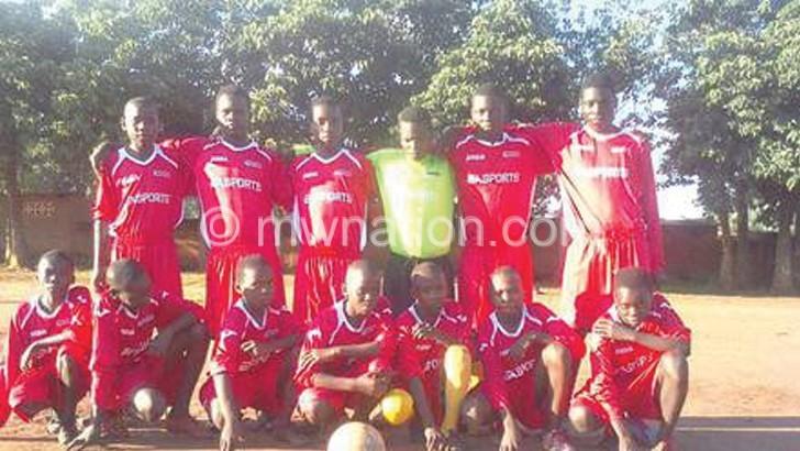 FCV donates uniforms to Rawo FA