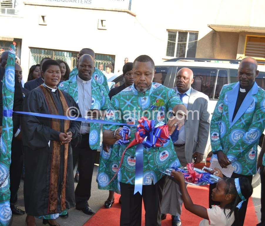 Cutting ribbon | The Nation Online