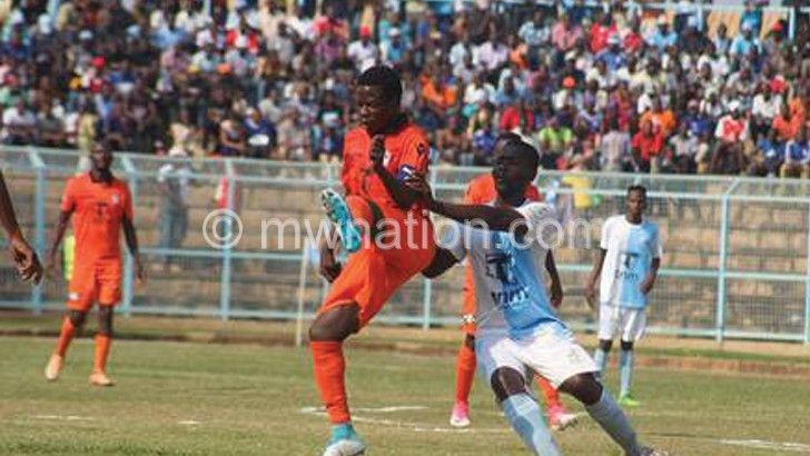 Nomads, Silver in crucial league tie