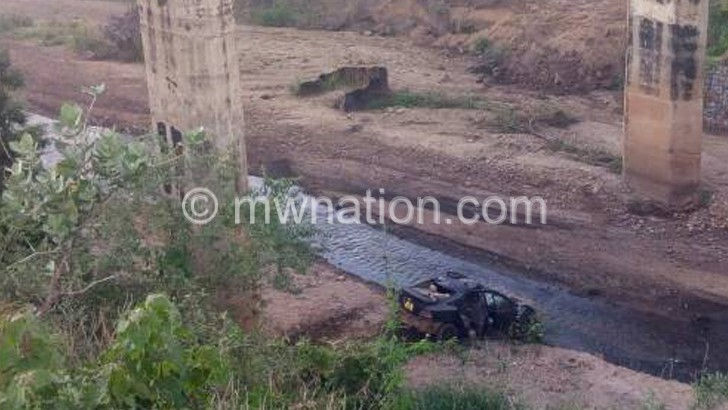 Police officer dies in road accident