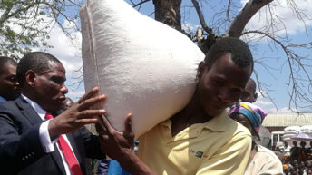 Govt in once-off food  distribution exercise