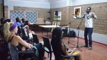 Menes la Plume graces Lilongwe storytelling sessions