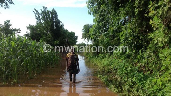 Floods cut off road, render 600 homeless in Nkhotakota