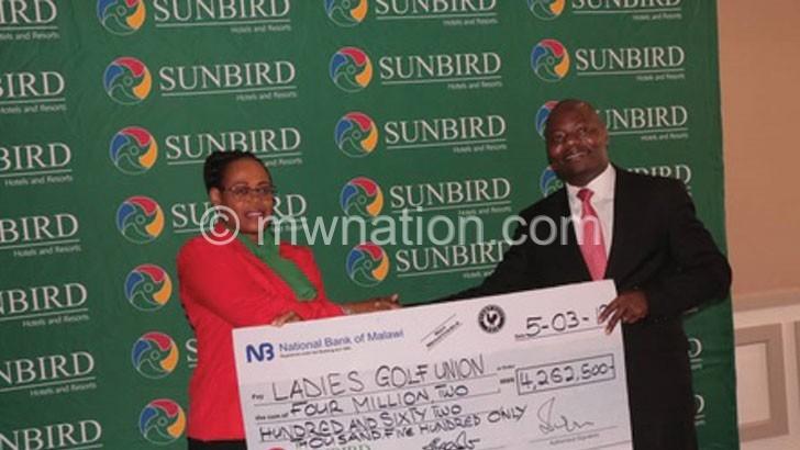Sunbird donates K4m to Ladies' Golf Tourney