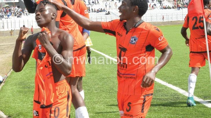 Nomads pay Namiwawa K3 million for Madinga