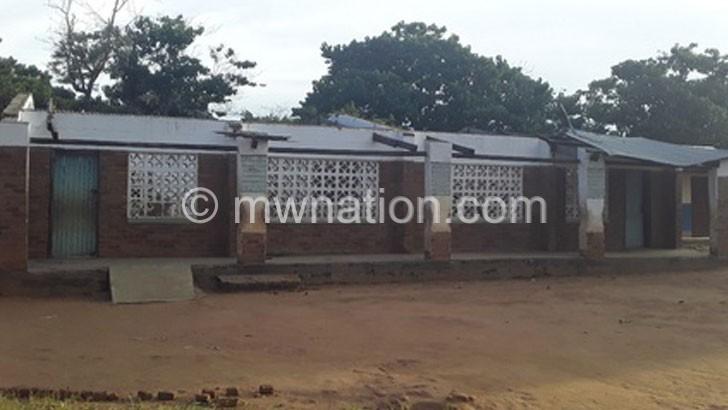 Blown off school block affects 400 pupils