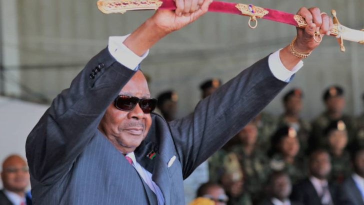 30 independent MPs meet Mutharika