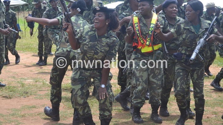 1 600 more police officers promoted