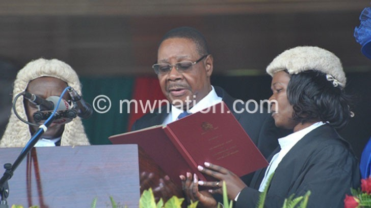 Let's move on, urges Mutharika