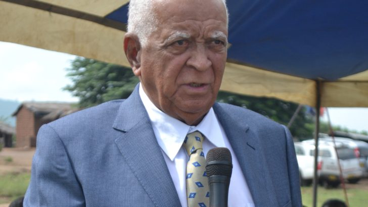 Former minister Harry Thomson dies