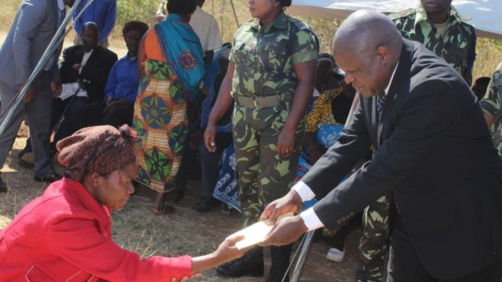 Vice-President consoles family of 9 accident victims