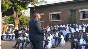 Prisoners' initiatives impress minister