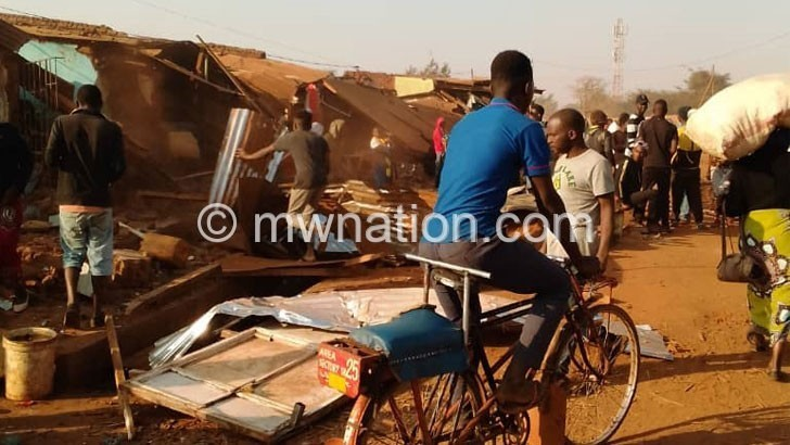 Lilongwe Council demolishes  structures in road reserve