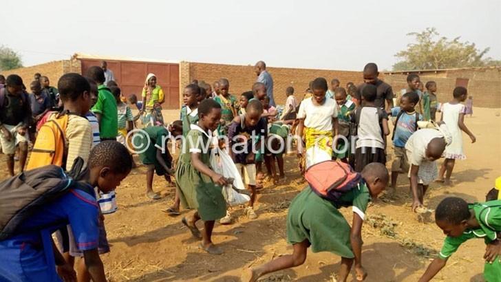 'Schools must refuse plastics'