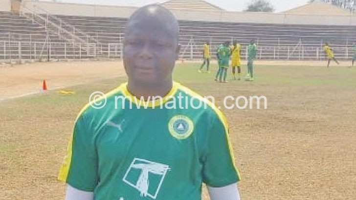 Kananji signs three-year contract with Civil