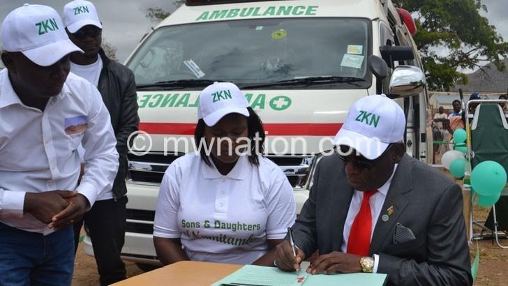 Group donates ambulance