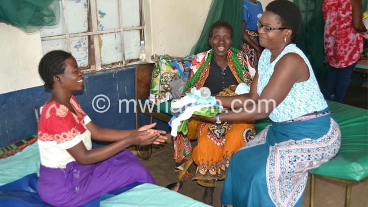 Blantyre women donate to Senzani mothers