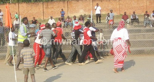 Bullets employ fans to curb violence